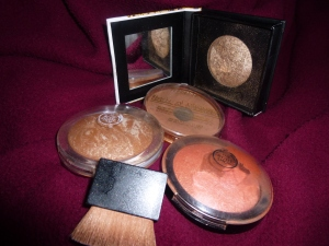 beauty uk bronzer, Rimmel Natural Bronzer, The Body Shop golden bronze and warm sunset blush and flat brush